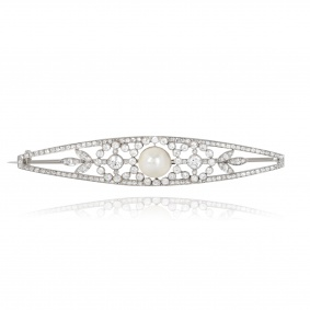 Round Brilliant Cut Diamond and Pearl Brooch in Platinum